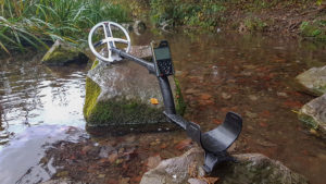 The ORX metal detector is for use in all terrains. Select your program and start detecting!